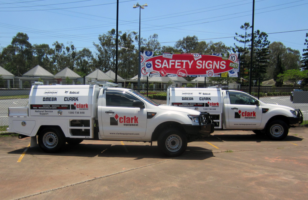 Fleeet Vehicle Signs